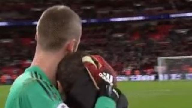 De Gea fez uma exibição gigante em Wembley e Mata reagiu assim