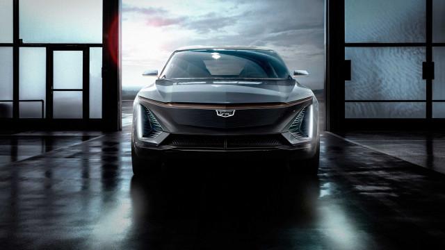 Cadillac surpreende e mostra o seu primeiro carro elétrico