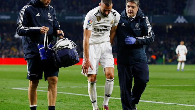 Lesão de Benzema preocupa e Real Madrid estuda três opções