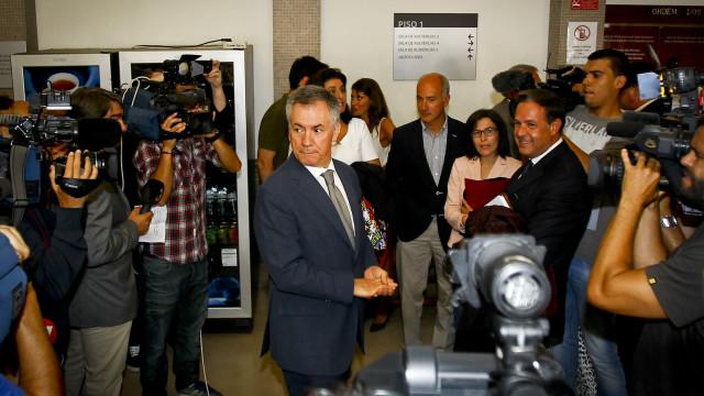 Armando Vara falha sessão de amanhã da fase de instrução devido a greve