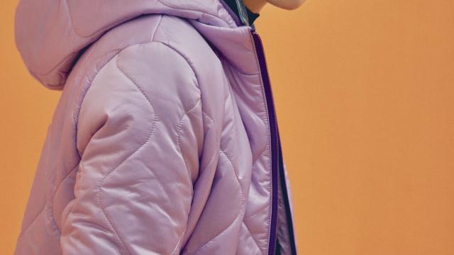 Nova coleção Pepe Jeans London deslumbra em tons ultravioleta