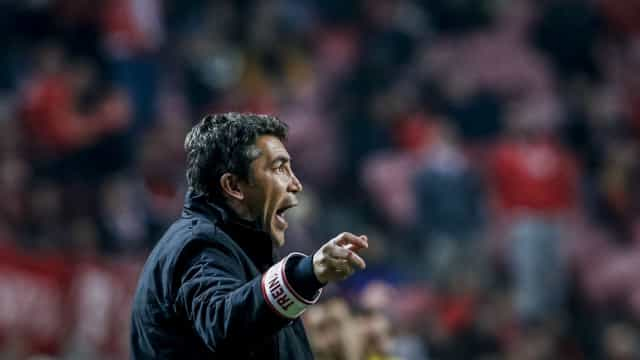 Bruno Lage assume 'rutura' com Vitória e mudança de sistema tático