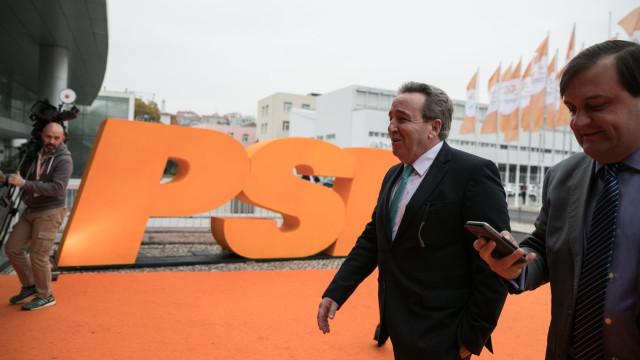 Pedro Pinto quer clarificação sobre voto secreto de moção de censura