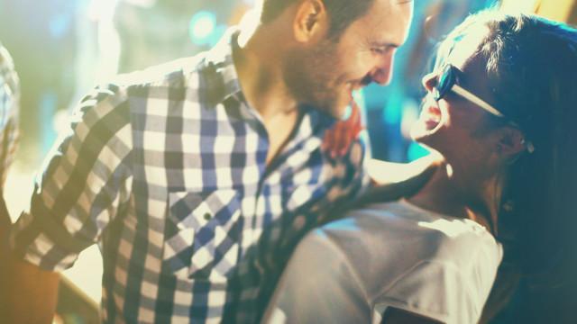 Fever apresenta 'Sem Valentim' na véspera do Dia dos Namorados