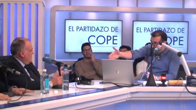 Censura? Presidente de La Liga e jornalista trocam acusações em direto