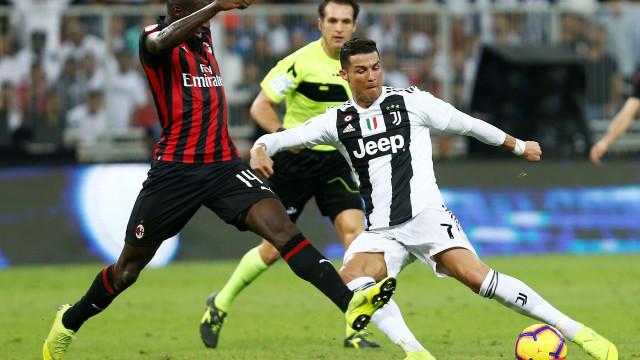 [0-0] Juventus-AC Milan: Cutrone atira à trave da baliza