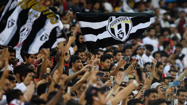 'SIIIIIIIIIII': A 'explosão' das bancadas sauditas após o golo de Ronaldo