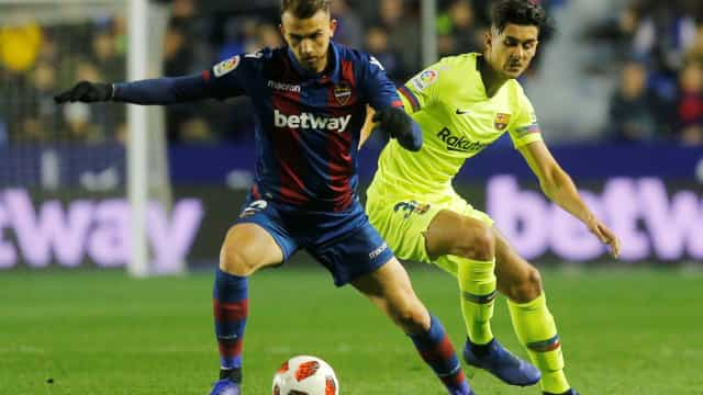 Barcelona continua na Taça por atraso na queixa do Levante