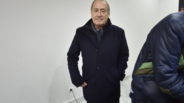 """Luís Filipe Menezes defende que """"é tempo de cerrar fileiras"""""""