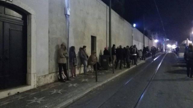 Consulado do Brasil arranca com sistema para acabar com filas