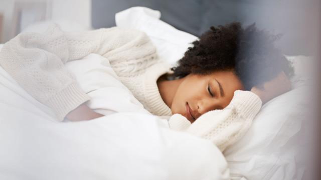 Esta peça de roupa pode ajudá-lo a adormecer 15 minutos mais rápido