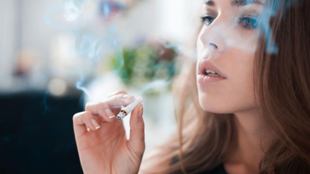 Fumar acelera processo de envelhecimento em mais de 20 anos
