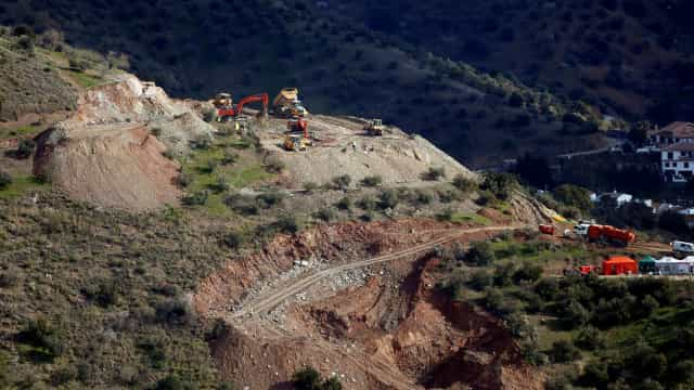 """Há """"condições muito favoráveis"""" para escavação de túneis verticais"""