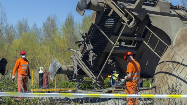 Acidente ferroviário de 2017 foi potenciado por anomalia após manutenção