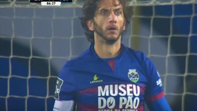 N. André Coelho antecipou-se e tirou o golo de estreia a Fernando Andrade