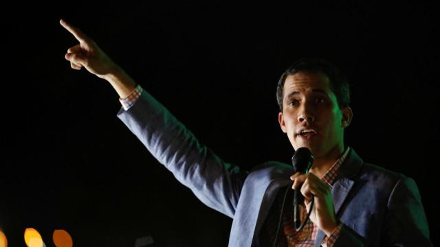 Venezuela: Presidente do parlamento diz que não sucumbirá a pressões