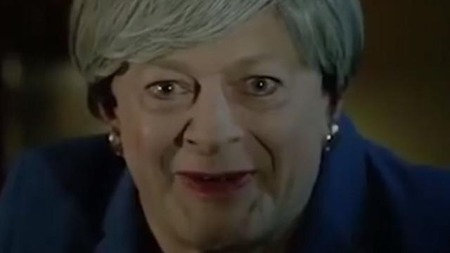 May em versão Gollum está de volta, agora em modo musical sobre o Brexit