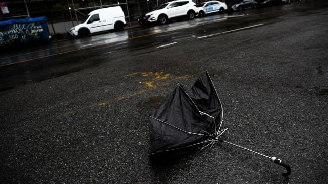 Três mortos e mais de mil voos cancelados nos EUA devido a tempestade