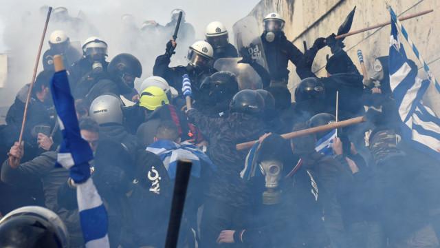 Número de feridos em manifestação em Atenas sobe para mais de 20