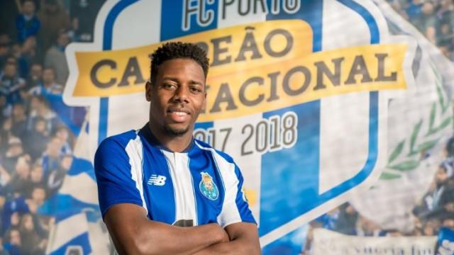 FC Porto oficializa a contratação de Wilson Manafá