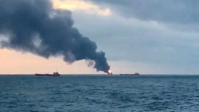 Número de mortos em acidente com navios revisto de 10 para 14