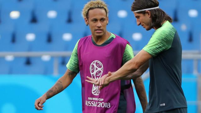 """Filipe Luís defende Neymar e lembra o """"antipático"""" Cristiano Ronaldo"""