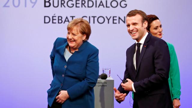 Macron critica mentiras da extrema-direita sobre tratado franco-alemão
