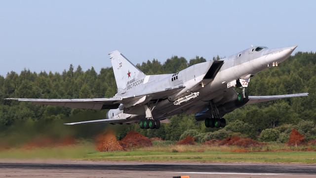 Três mortos em queda de bombardeiro russo na aterragem