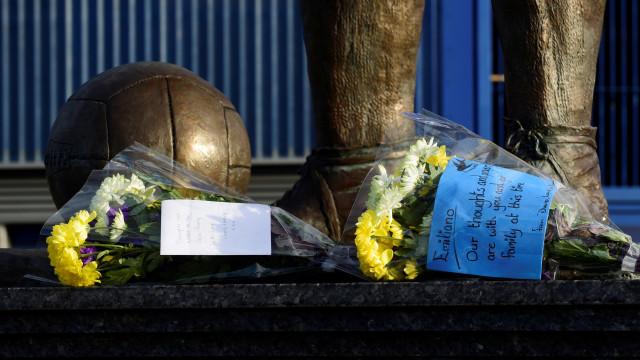 Mundo do futebol à espera do milagre: Reações ao desaparecimento de Sala