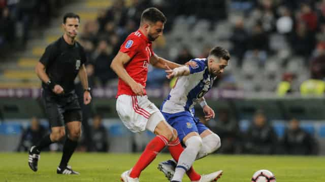 Samaris rejeita novo contrato. Na Luz, teme-se que acabe... no FC Porto
