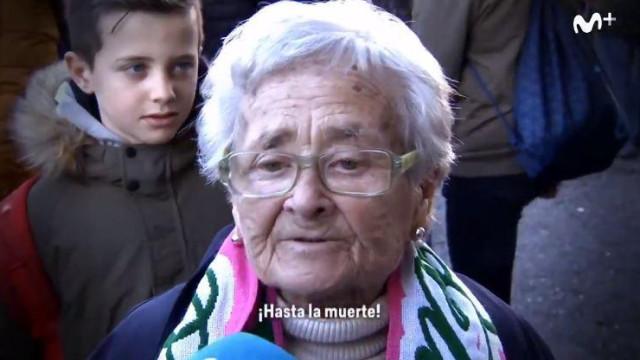 Uma adepta do Betis tem 80 anos e nunca se casou. A razão é comovente