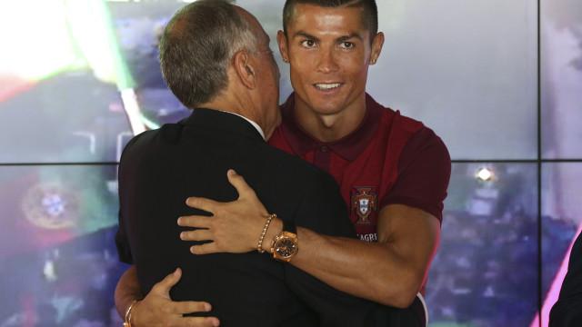 Retirar condecorações a Ronaldo? Presidente aguarda decisão de Espanha