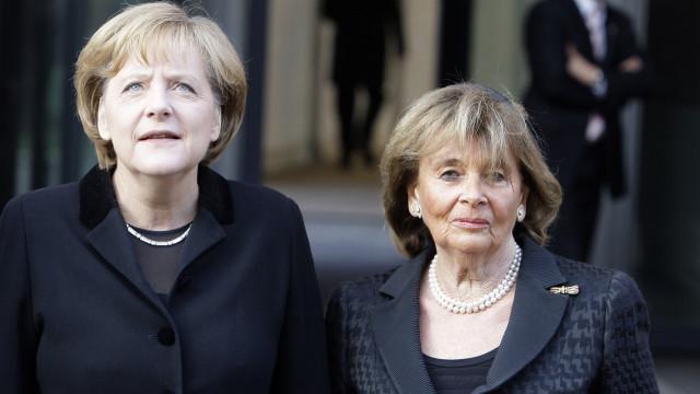 Deputados da extrema-direita abandonam homenagem a vítimas do nazismo