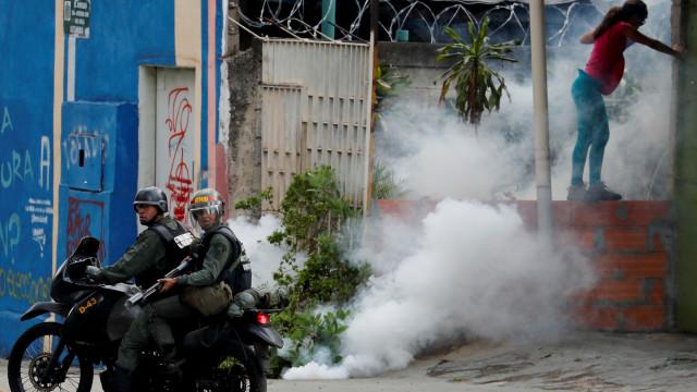 Ministro da Defesa diz que militares não aceitarão Guaidó