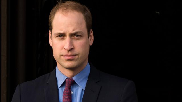 """Príncipe William recorda experiência traumática: """"Fico muito emocionado"""""""