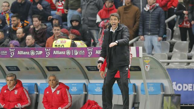 [0-0] Aves-Benfica: Arranca a partida na Vila das Aves