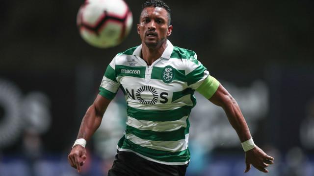 Lesão afasta Nani do treino do Sporting