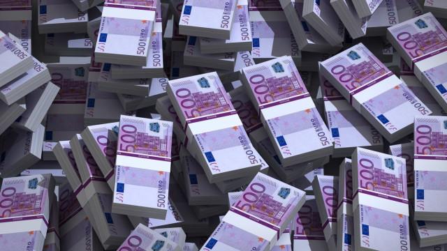 Notas de 500 euros começam hoje a 'desaparecer' mas mantêm valor