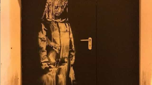 Roubada porta do Bataclan que tinha pintura de Banksy