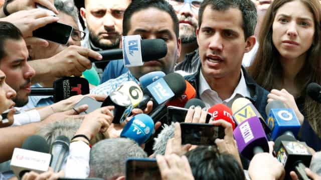 Procurador-geral pede ao Supremo para congelar contas de Juan Guaidó