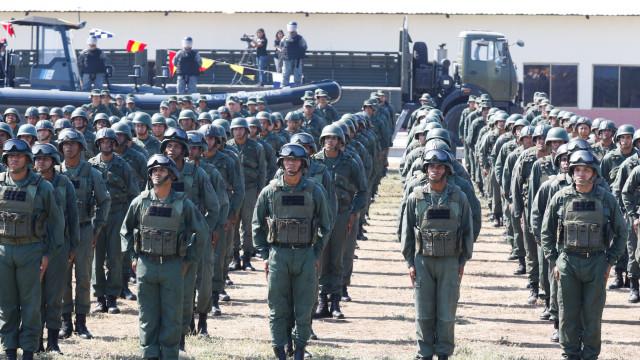 Forças Armadas Bolivarianas iniciam manobras militares