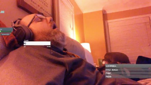 Tornou-se um sucesso no Twitch depois de ter… adormecido