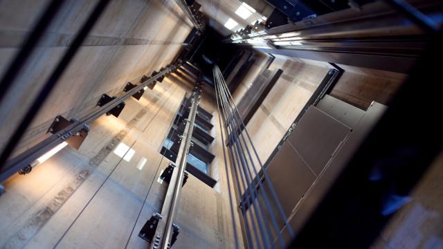 Mulher ficou presa durante três dias num elevador em Nova Iorque