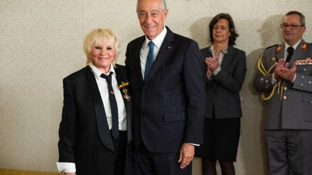 Florbela Queiroz condecorada pelo Presidente da República