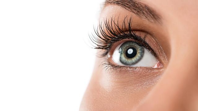Cientistas desenvolvem colírio que 'derrete' cataratas nos olhos
