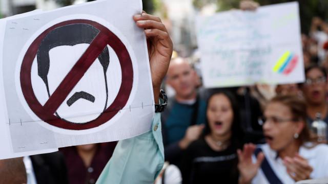 Venezuela: General da Força Aérea promete fidelidade a Juan Guaidó