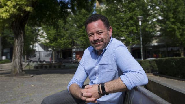 Joel Neto mostra poder redentor das histórias em aula aberta nos Açores