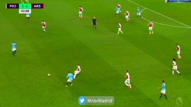 Aguero: Depois do golo a abrir o jogo... o golo da vantagem ao intervalo