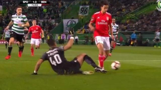 Pizzi fez o 4-1 do Benfica e... adeptos do Sporting abandonaram Alvalade