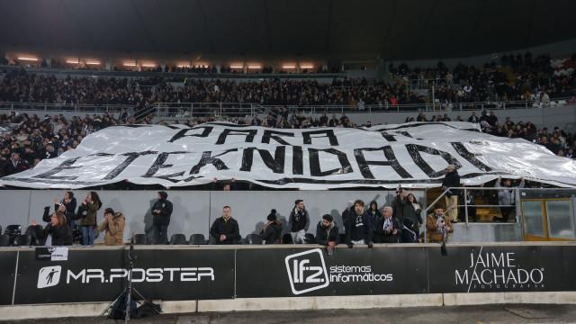 Vitória SC-FC Porto: Jogo manchado por cenas lamentáveis nas bancadas